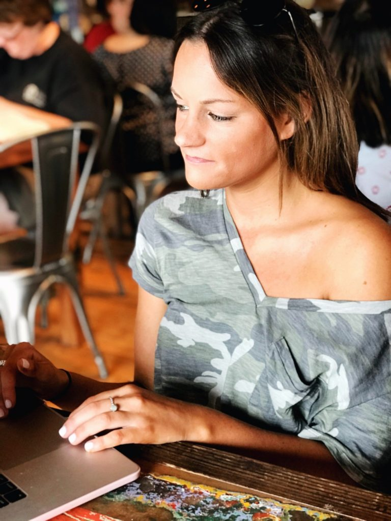 emjacquelyn lifestyle blogger