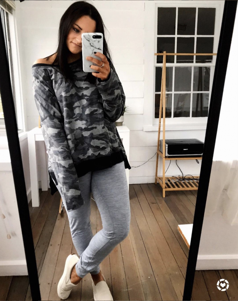 gray joggers outfit with camo sweatshirt and tan sneakers