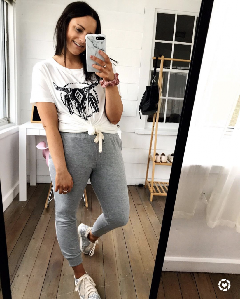 gray joggers from amazon with golden goose sneaker dupes and white graphic tee