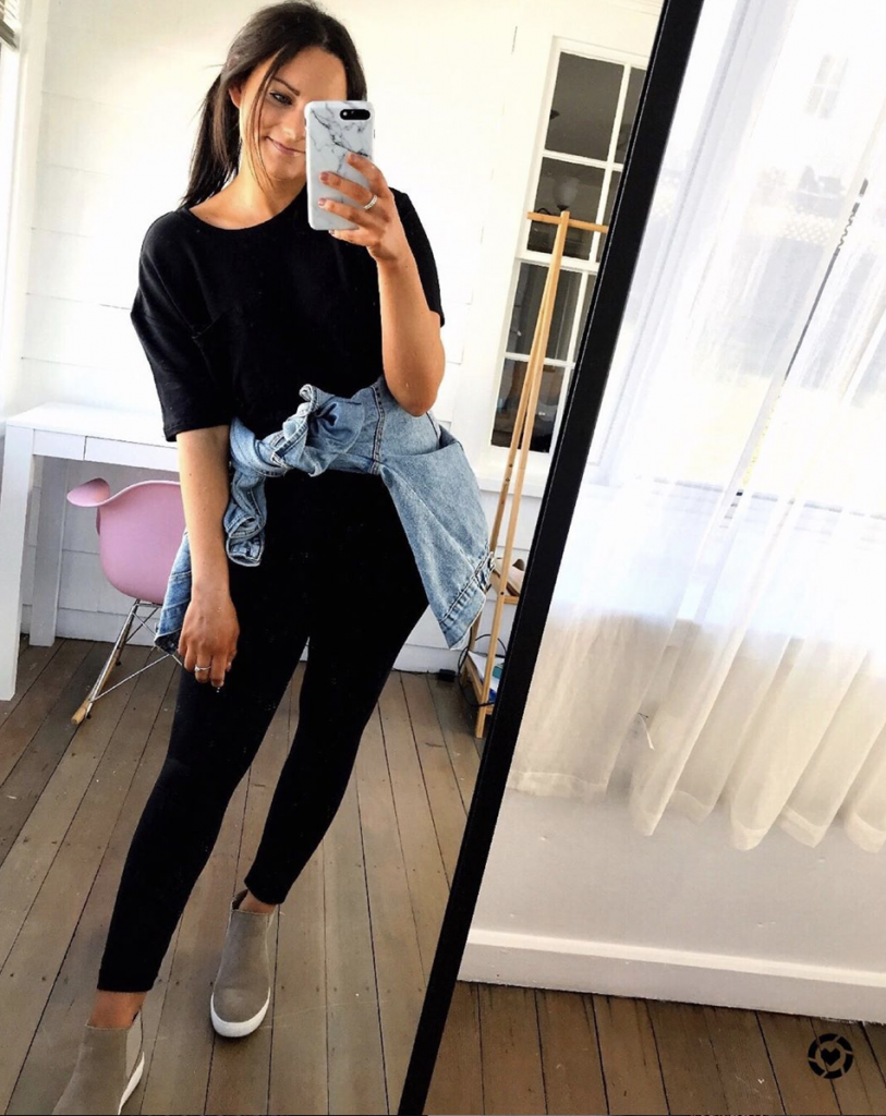 amazon comfy outfit wearing black leggings and a black amazon top