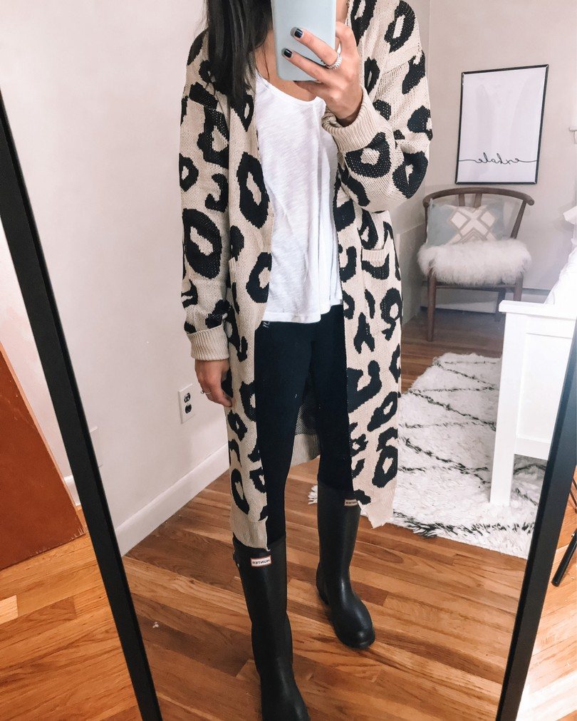 amazon oversized leopard cardigan with hunter boots outfit