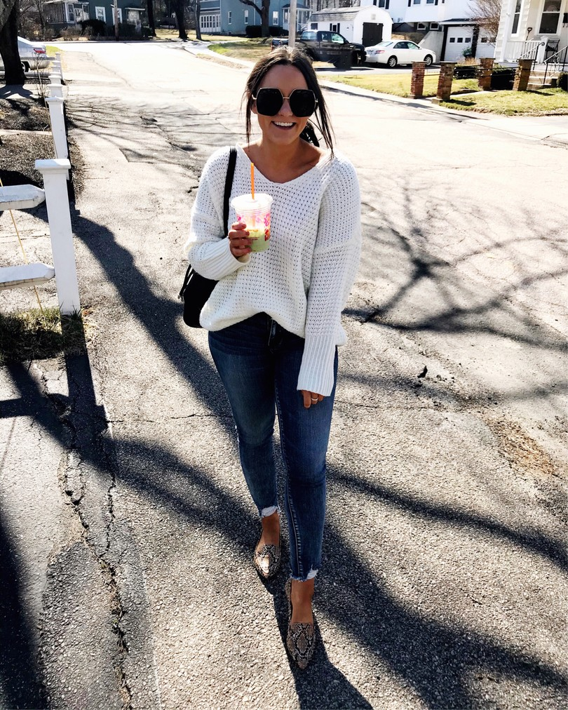 oversized sweater outfit with jeans and pointed toe flats