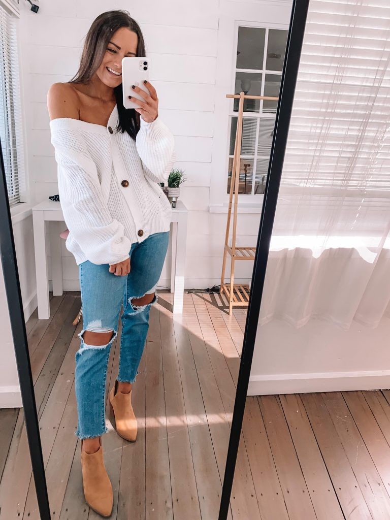 amazon thanksgiving outfit - booties with sweater and Levi jeans