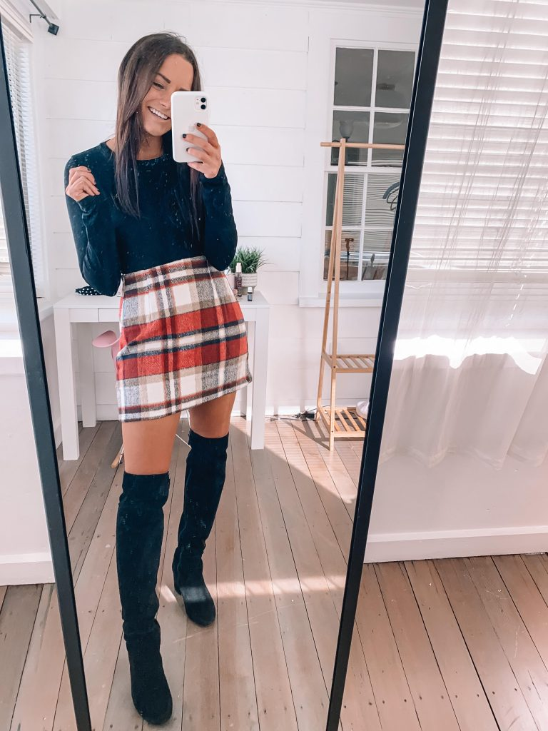 amazon bodysuit and plaid skirt for thanksgiving outfit